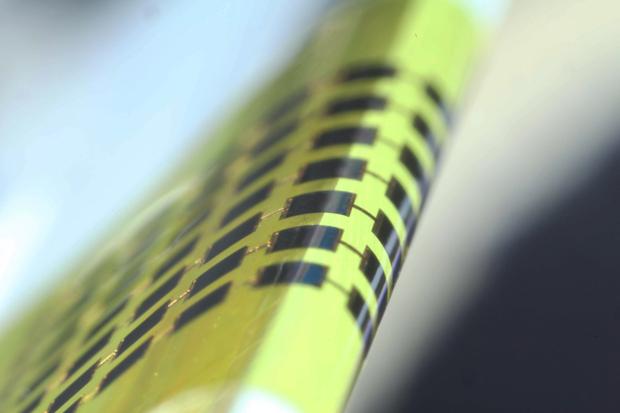 Pannelli solari 100 volte più sottili di un capello umano, una svolta per l'Internet of Things