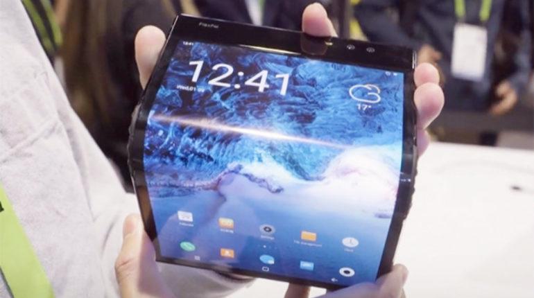 Il primo smartphone pieghevole del mondo si può trasformare in un tablet