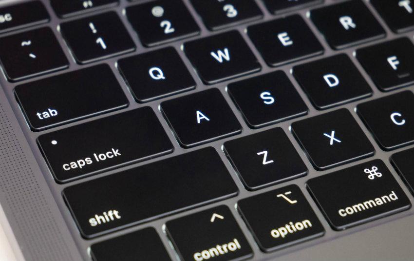 Apple potrebbe introdurre una tastiera touch sui nuovi MacBook