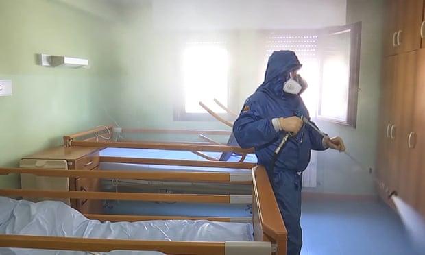 Coronavirus: la metà dei decessi sono stati registrati nelle case di cura